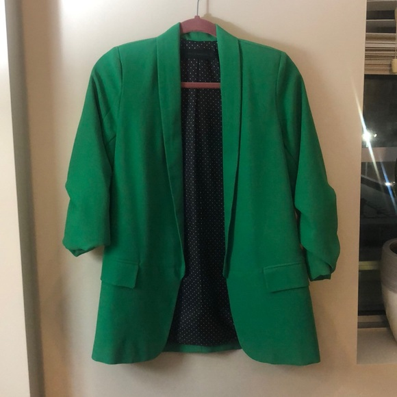 Green Rouched Sleeve Blazer🌱 NWT🌱